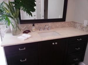 Sara bathroom 022